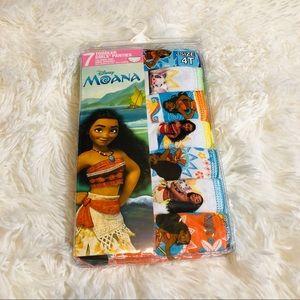 New Girls Disney Moana panties size 4T #39A